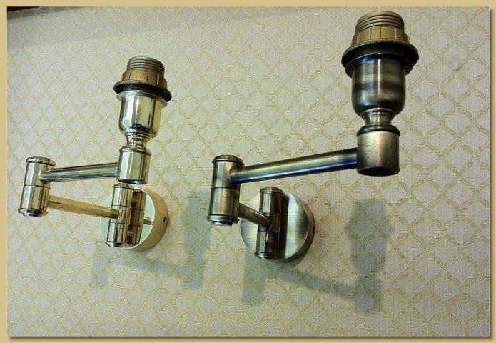Applique lampada da muro mod doppio snodo ottone lucido